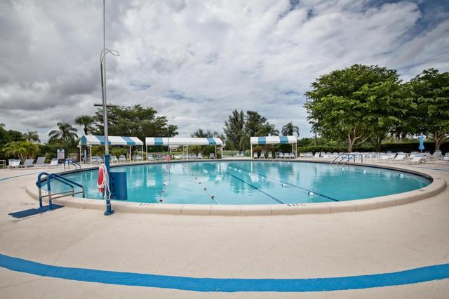 13731 Flora Pl #D, Delray Beach, FL 33484