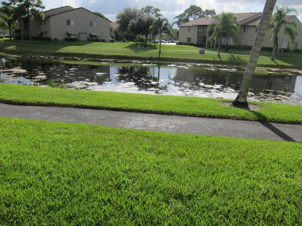 616 Sea Pine Way #G3, Greenacres, FL 33415
