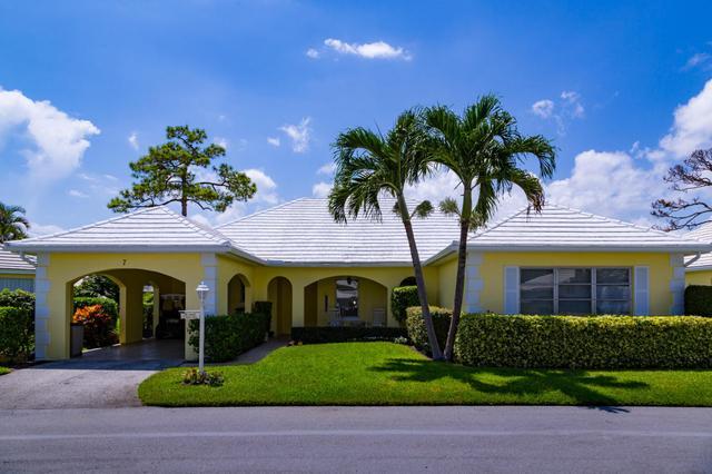 7 Acacia Dr, Boynton Beach, FL 33436