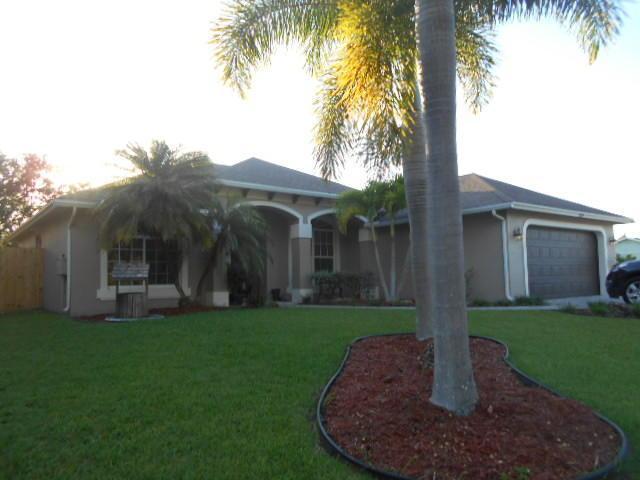 1118 SW Dorchester St, Port Saint Lucie, FL 34983