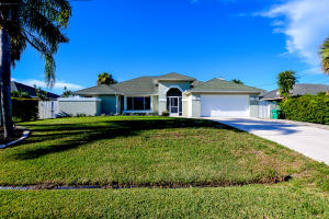 933 SW Abingdon Ave, Port Saint Lucie, FL 34953