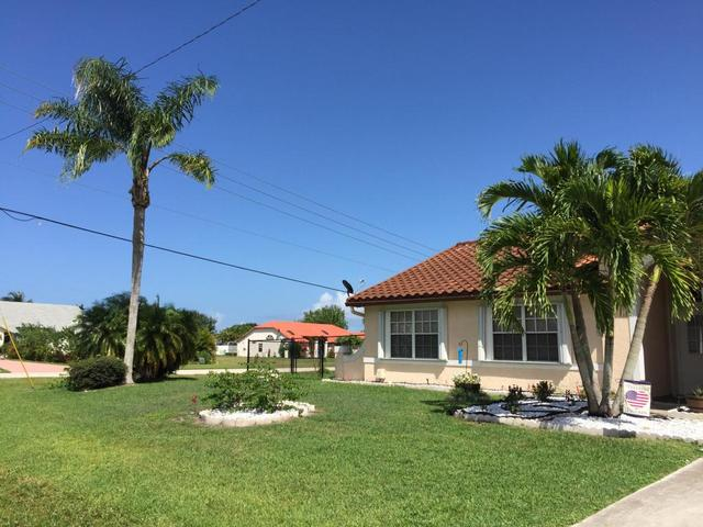 2593 SE Lyman Cir, Port Saint Lucie, FL 34952