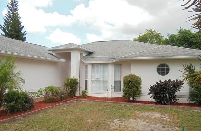 1019 Gardenia St, Sebastian, FL 32958