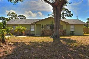 2428 Mohawk Ave, Fort Pierce, FL 34946