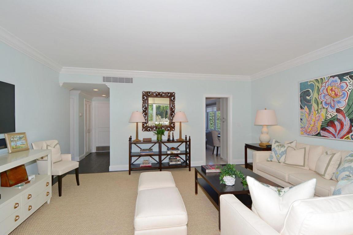 250 Bradley Place #202, Palm Beach, FL 33480