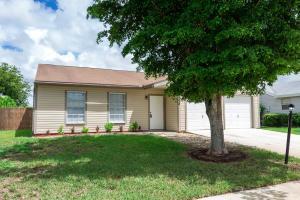 5238 Edgewood Dr, Lake Worth, FL 33467