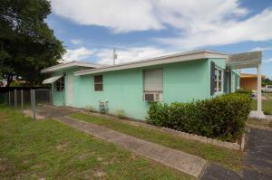 4243 Colt Lane, West Palm Beach, FL 33406