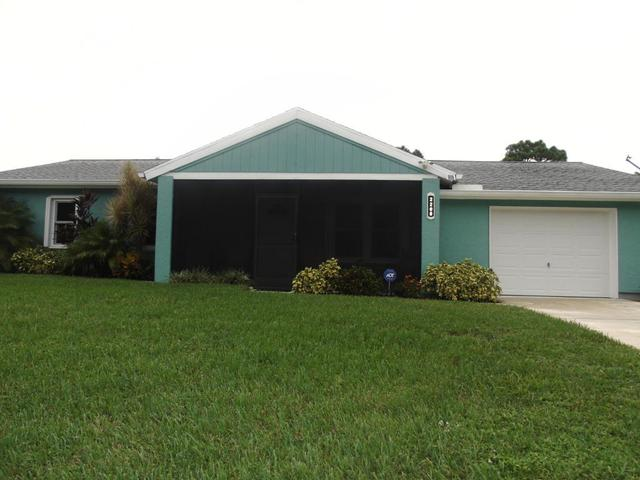 2208 SE Rich St, Port Saint Lucie, FL 34984