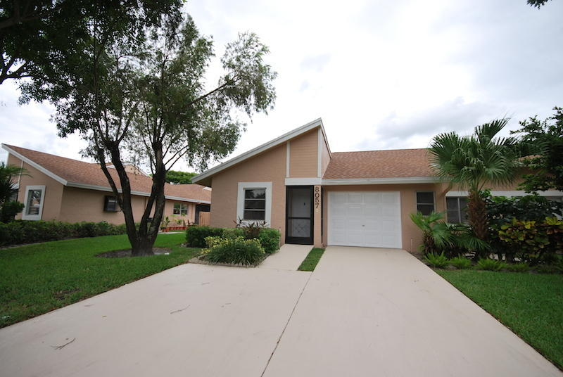 8057 Springtree Rd, Boca Raton, FL 33496