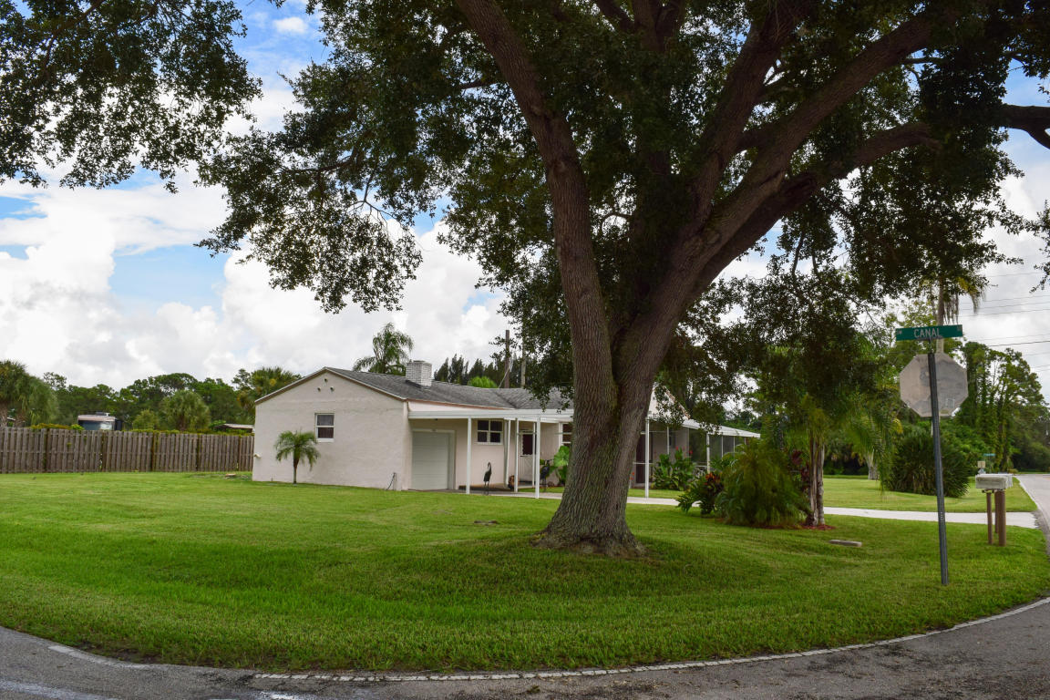 2195 SW Locks Road, Stuart, FL 34997