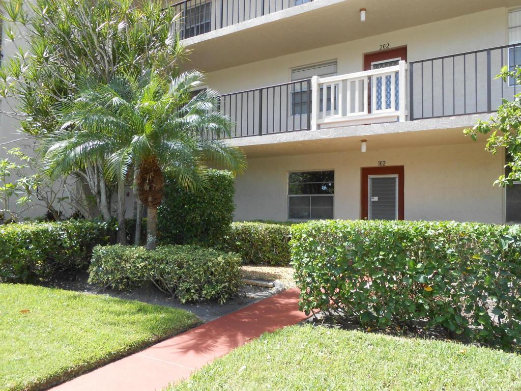 25 Abbey Lane #102, Delray Beach, FL 33446