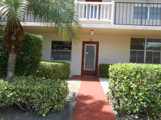 25 Abbey Ln #102, Delray Beach, FL 33446