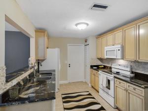 9104 Affirmed Lane, Boca Raton, FL 33496
