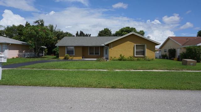 9688 Richmond Cir, Boca Raton, FL 33434