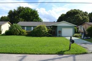 1031 Martinique Ave, Fort Pierce, FL 34982