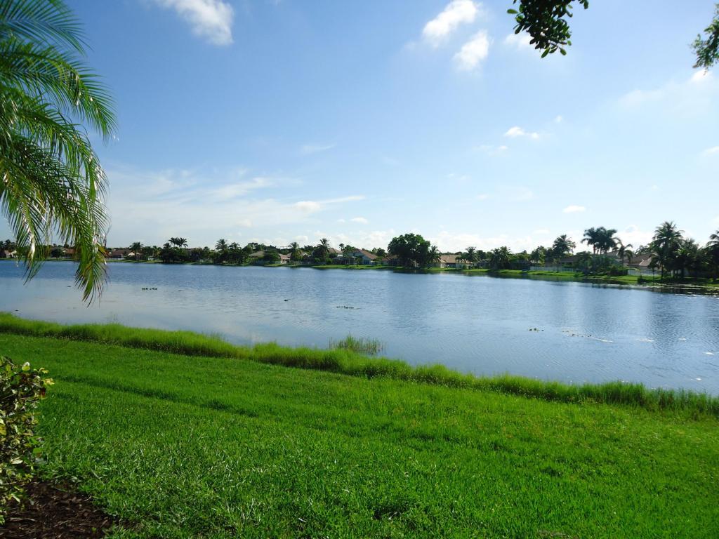 698 Heritage Drive, Weston, FL 33326