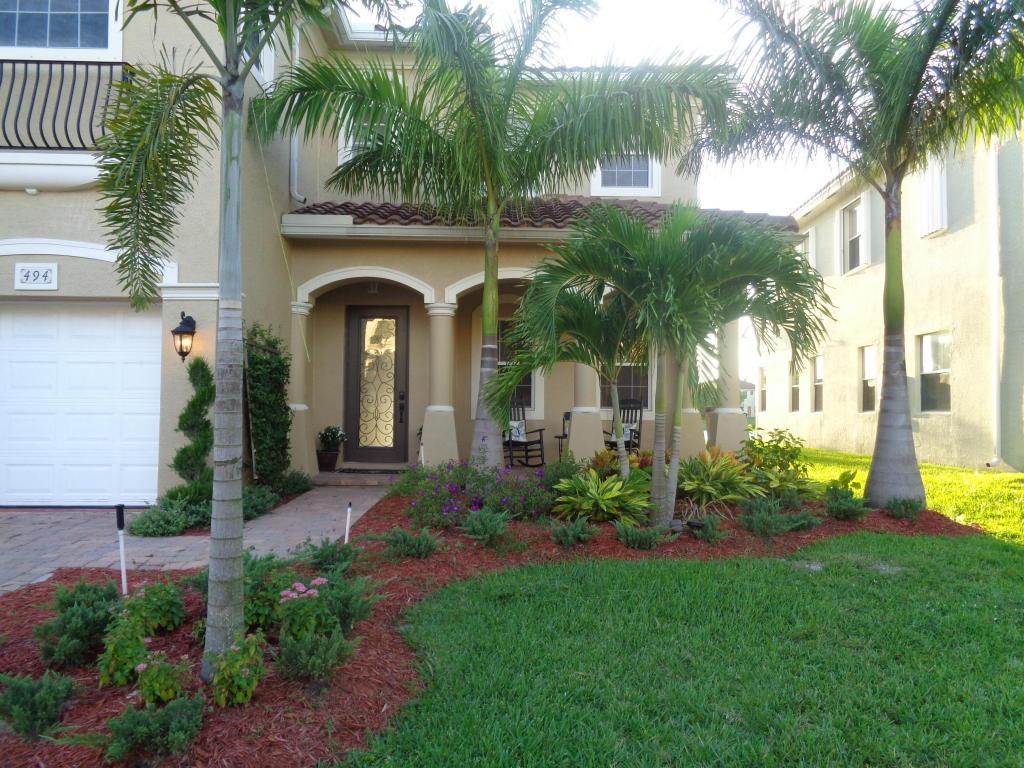 494 Cresta Circle, West Palm Beach, FL 33413