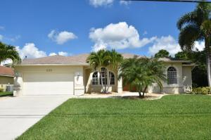 225 SW Whitmore Dr, Port Saint Lucie, FL 34984