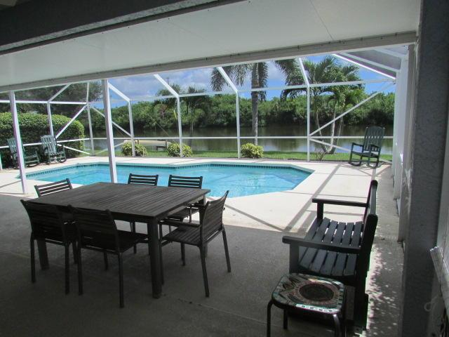 527 SW Sundance Trl, Port Saint Lucie, FL 34953