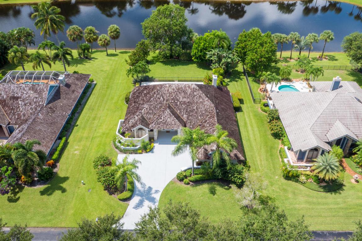 18500 SE Lakeside Drive, Tequesta, FL 33469