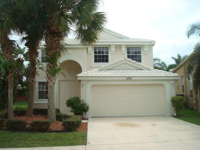 1216 Oakwater Dr, Royal Palm Beach, FL 33411