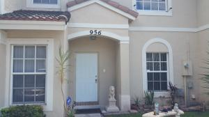 956 Summit Lake Dr, West Palm Beach, FL 33406