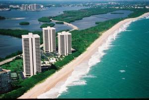 5550 North Ocean Drive #12 B, Singer Island, FL 33404
