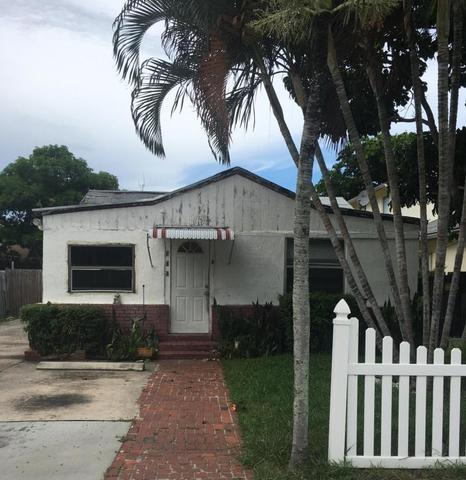305 SW 2nd St, Delray Beach, FL 33444