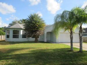 542 SW Fairway Ave, Port Saint Lucie, FL 34983