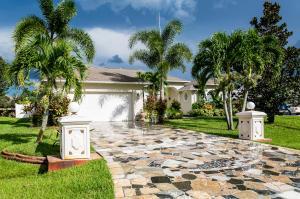443 SW Friar St, Port Saint Lucie, FL 34983