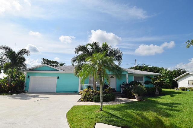982 SW 37th Ter, Palm City, FL 34990