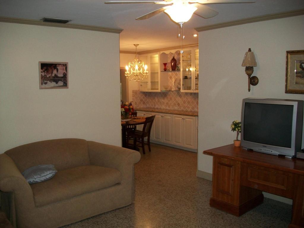 705 Iroquois Street, Jupiter, FL 33458