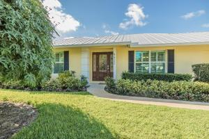 9422 SE Little Club Way, Tequesta, FL 33469
