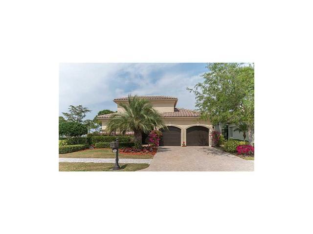 137 SE Bella Strano St, Port Saint Lucie, FL 34984