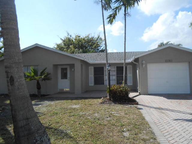 7060 Pine Manor Dr, Lake Worth, FL 33467