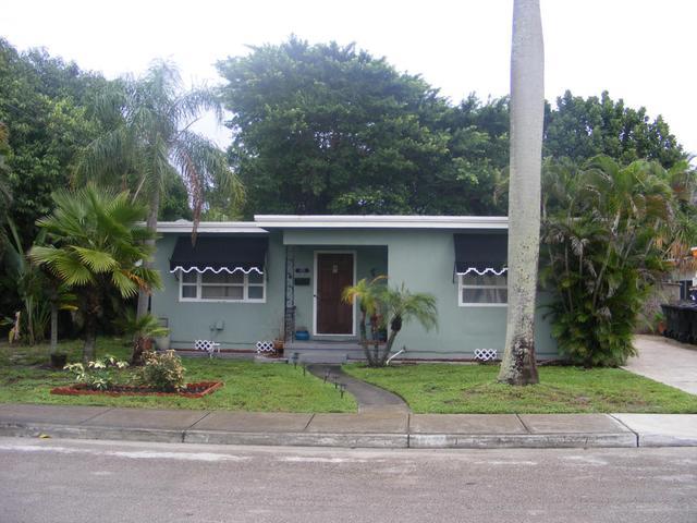 1722 N K St, Lake Worth, FL 33460