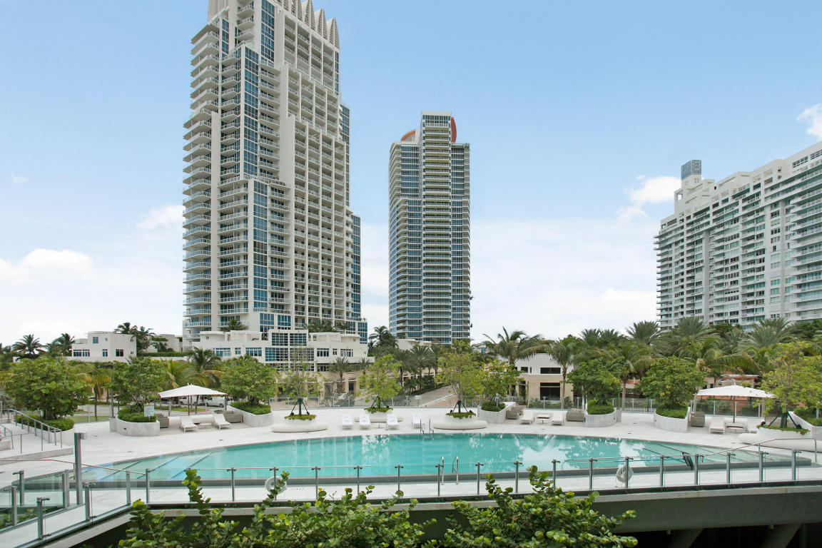 1 Collins Avenue #305, Miami Beach, FL 33139