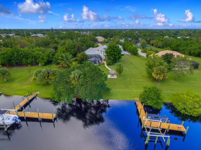 470 SE Pine Rd, Port Saint Lucie, FL 34984