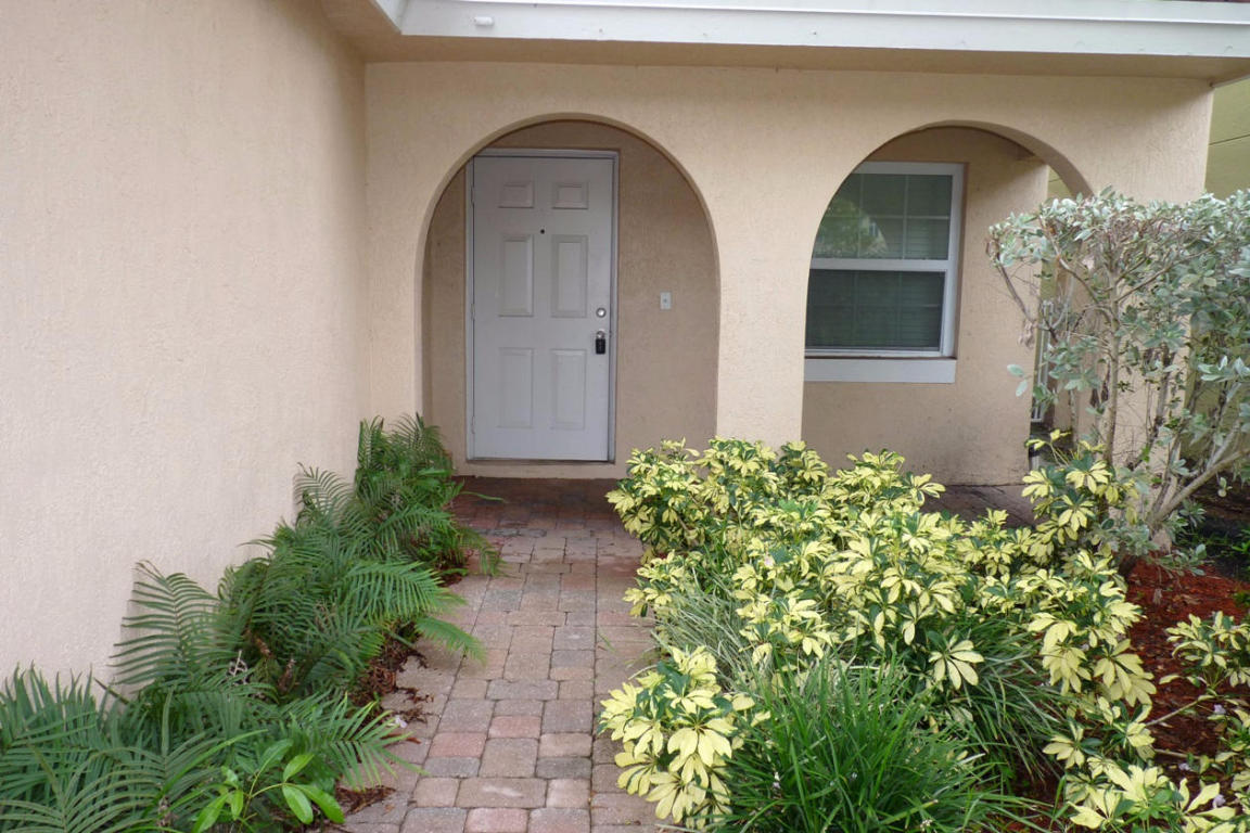 3321 Commodore Court, West Palm Beach, FL 33411