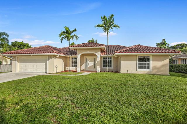 36 W Plumosa Ln, Lake Worth, FL 33467