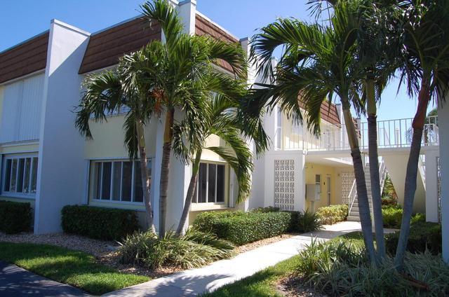 1323 Bayshore Dr #104, Fort Pierce, FL 34949
