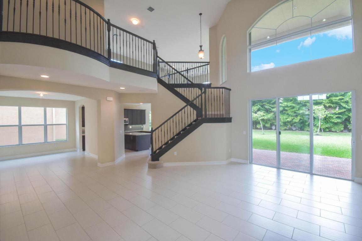 8203 Mariano Falls Lane, Boynton Beach, FL 33473