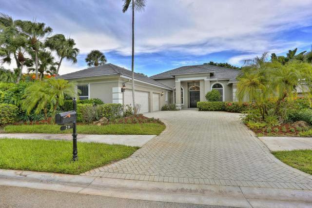 29 Bermuda Lake Dr, Palm Beach Gardens, FL 33418