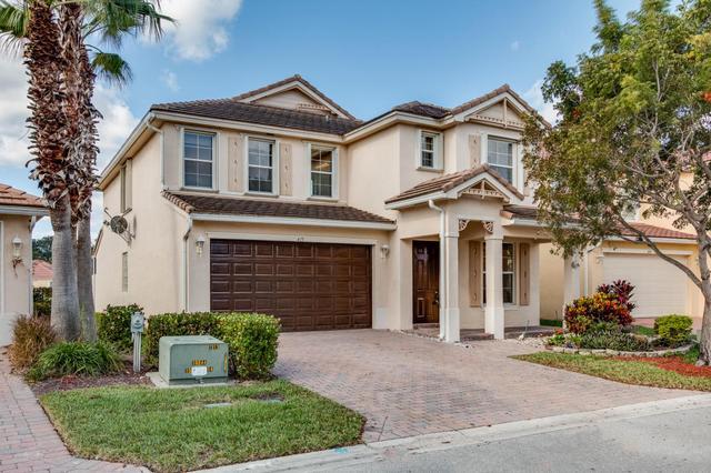 415 Mulberry Grove Rd, Royal Palm Beach, FL 33411