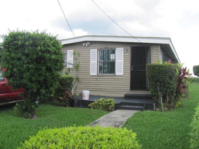 900 Rickey Jackson Blvd, Pahokee, FL 33476