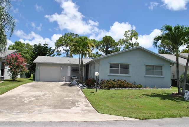 7051 Pine Manor Dr, Lake Worth, FL 33467