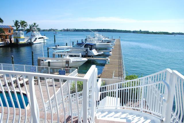 145 Harbors Way, Boynton Beach, FL 33435