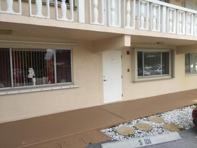 300 Village Green Cir #103, Palm Springs, FL 33461