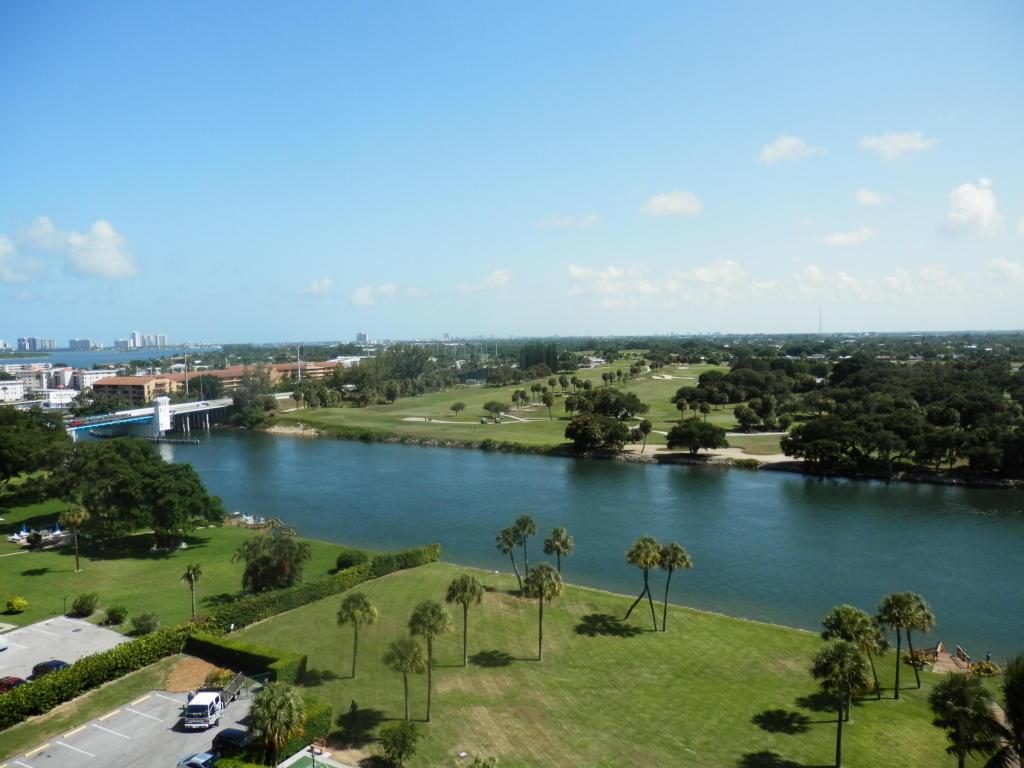 336 Golfview Road #PH5, North Palm Beach, FL 33408