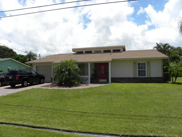 728 SE Degan Dr, Port Saint Lucie, FL 34983